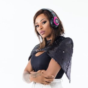DJ Zinhle Photo